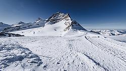 15.01.2020, Jungfrauenjoch, Wengen, SUI, FIS Weltcup Ski Alpin, Vorberichte, im Bild Jungfrau (4158m) // Jungfrau summit (4158m) during a preliminary reports prior to the FIS ski alpine world cup at the Jungfrauenjoch in Wengen, Switzerland on 2020/01/15. EXPA Pictures © 2020, PhotoCredit: EXPA/ Johann Groder **** ACHTUNG - dieses Bilddatei ist für den Grossformatdruck in einer maximalen Grösse mit mehr als 18142 x 6717 pixel (ca. 700 MB) verfügbar! Fragen Sie nach den hochauflösenden Daten // ATTENTION - This image file is for Large Format Printing available in a maximum size of more then 18142 x 6717 pixels (about 700 MB)! Ask for the high-resolution data. ****
