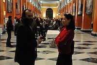 """""""STARAMASCÉ: TRACCE AFGHANE"""".Mostra fotografica di GABRIELE TORSELLO....Venerdì 13 marzo alle ore 11 conferenza-stampa di presentazione, presso la Galleria Umberto I del Bastione San Remy, della mostra """"STARAMASCÉ"""" una personale fotografica del freelance salentino Gabriele Torsello, rapito in Afghanistan nell'ottobre 2006 e rilasciato incolume dopo 23 giorni di prigionia. All'incontro con i giornalisti sarà presente l'autore...La mostra, realizzata dalla Provincia di Lecce nell'ambito della VII edizione di """"Salento Negroamaro"""", rassegna delle culture migranti, con il patrocinio della Presidenza del Consiglio dei Ministri, Regione Puglia, CICT - Unesco e Istituto di Culture Mediterranee della Provincia di Lecce, è organizzata a Cagliari a cura delle associazioni culturali """"Màgusu"""" e """"Omega"""", nell'ambito del progetto di promozione sociale """"Reporter: un hobby e una professione pericolosa"""", promosso con il sostegno della Presidenza della Regione Autonoma della Sardegna, della Provincia e del Comune di Cagliari..L'esposizione fotografica è allestita presso la Galleria Umberto I del Bastione di San Remy dal 13 al 23 marzo a Cagliari, e presso il centro commerciale """"Le Vele"""" di Quartucciu (Ca) dal 25 marzo al 5 aprile...I giornalisti sono invitati a partecipare e a voler dare risalto e visibilità all'evento di alto valore sociale e culturale. I colleghi che desiderassero intervistare l'autore sono gentilmente invitati a mettersi in contatto con l'ufficio stampa per organizzare al meglio la disponibilità di Torsello e venire incontro alle diverse esigenze redazionali di stampa, radio e televisioni. .Nel corso della conferenza stampa saranno illustrati ulteriori dettagli e distribuito materiale di approfondimento sull'iniziativa..L'inaugurazione ufficiale della mostra venerdì alle ore 19 (gli inviti per la stampa verranno distribuiti a margine della conferenza ai colleghi che ne faranno richiesta)...Il giorno precedente, giovedì 12 marzo, alle ore 16, Torsello sarà ospite di"""