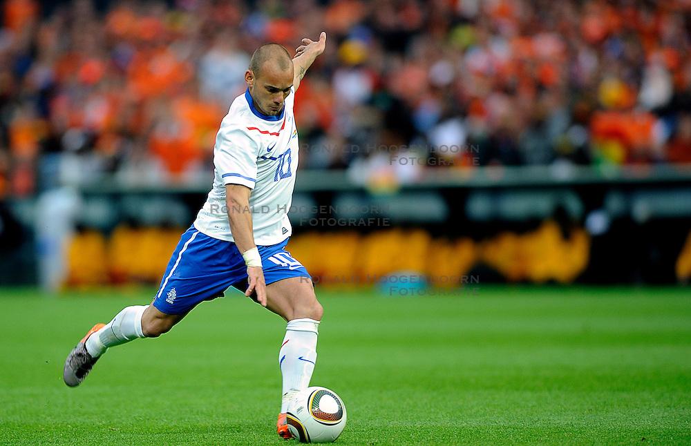01-06-2010 VOETBAL: NEDERLAND - GHANA: ROTTERDAM<br /> Nederland verslaat Ghana in een oefenduel met 4-1 / Wesley Sneijder<br /> &copy;2010-WWW.FOTOHOOGENDOORN.NL