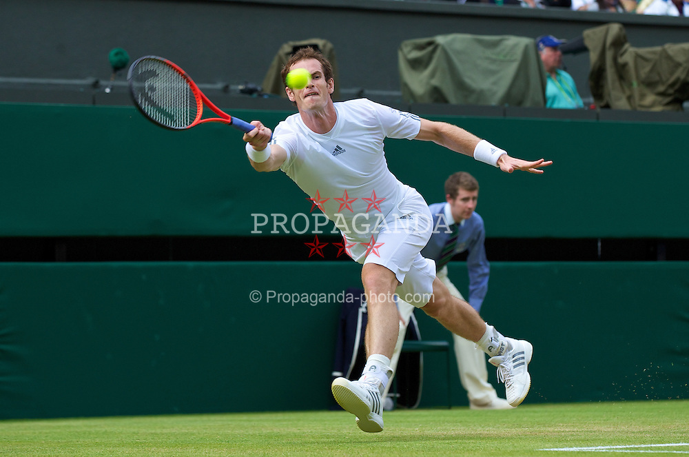 LONDON, ENGLAND - Monday, July 1, 2013: Andy Murray (GBR) during the Gentlemen's Singles 4th Round match on day seven of the Wimbledon Lawn Tennis Championships at the All England Lawn Tennis and Croquet Club. (Pic by David Rawcliffe/Propaganda)