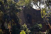 Pirapora_MG, Brasil...Ruinas de pedra da igreja Bom Jesus do Matozinhos, costruida por escravos entre os anos de 1650 e 1679 as margens do Rio das Velhas...The stones ruins in the church Bom Jesus do Matozinhos, it was built between 1650 and 1679 next to the Rio das Velhas...Foto: LEO DRUMOND / NITRO ..
