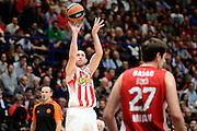 DESCRIZIONE : Milano Euroleague 2015-16 EA7 Emporio Armani Milano - Olympiacos Piraeus<br /> GIOCATORE : Matt Lojeski<br /> CATEGORIA : tiro three points<br /> SQUADRA : Olympiacos Piraeus<br /> EVENTO : Euroleague 2015-2016<br /> GARA : EA7 Emporio Armani Milano - Olympiacos Piraeus<br /> DATA : 30/10/2015<br /> SPORT : Pallacanestro<br /> AUTORE : Agenzia Ciamillo-Castoria/Max.Ceretti<br /> Galleria : Euroleague 2015-2016 <br /> Fotonotizia: Milano Euroleague 2015-16 EA7 Emporio Armani Milano - Olympiacos Piraeus