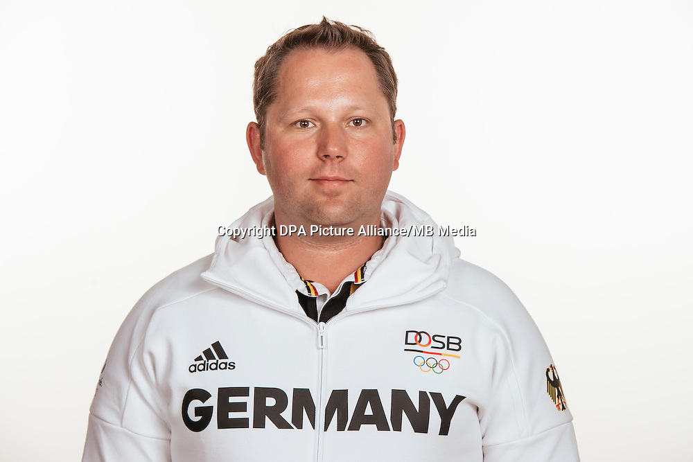 Marco Bührer poses at a photocall during the preparations for the Olympic Games in Rio at the Emmich Cambrai Barracks in Hanover, Germany, taken on 14/07/16 | usage worldwide