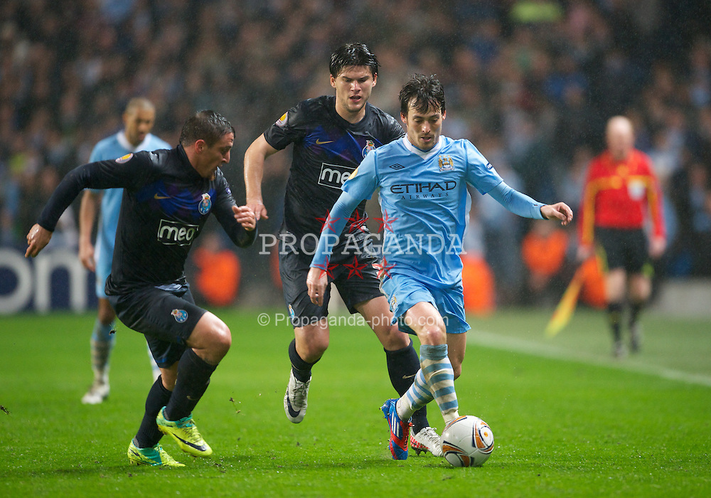 MANCHESTER, ENGLAND - Wednesday, February 22, 2012: Manchester City's David Silva in action against FC Porto during the UEFA Europa League Round of 32 2nd Leg match at City of Manchester Stadium. (Pic by David Rawcliffe/Propaganda)