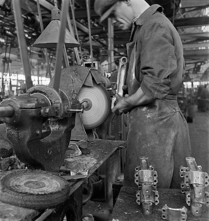 Worker at Lathe, De Havilland Aircraft Factory, England, 1935