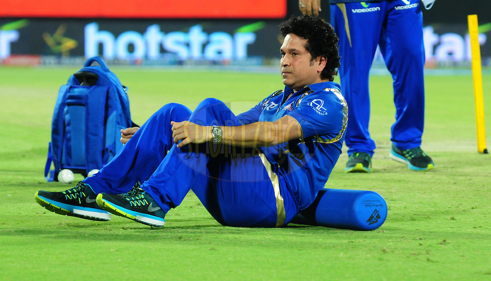 Mentor Sachin Tendulkar during warmup session before match 21 of the Pepsi IPL 2015 (Indian Premier League) between The Delhi Daredevils and The Mumbai Indians held at the Ferozeshah Kotla stadium in Delhi, India on the 23rd April 2015.<br /> <br /> Photo by:  Arjun Panwar / SPORTZPICS / IPL