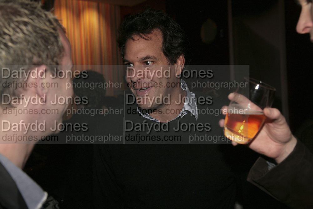 BRENT HOBERMAN, Launch of Ziv Navoth's book Ð Nanotales. The Groucho Club, London. 22 February 2007. t -DO NOT ARCHIVE-© Copyright Photograph by Dafydd Jones. 248 Clapham Rd. London SW9 0PZ. Tel 0207 820 0771. www.dafjones.com.