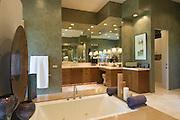 Sunken bath in Palm Springs home