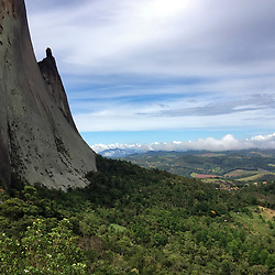 """Pedra Azul (Parque Estadual da Pedra Azul) fotografado em Pedra Azul, Espírito Santo -  Sudeste do Brasil. Bioma Mata Atlântica. Registro feito em 2014.<br /> <br /> <br /> <br /> ENGLISH: Blue Stone photographed in Pedra Azul, Espírito Santo - Southeast of Brazil. Atlantic Forest Biome. Picture made in 2014."""