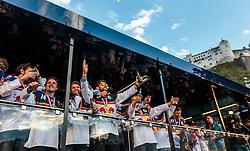 15.04.2016, Kapitelplatz, Salzburg, AUT, EBEL, Meisterfeier EC Red Bull Salzburg, während der Meisterfeier des Eishockey-Clubs EC Red Bull Salzburg am Freitag 15. April 2016, in Salzburg, im Bild die Spieler beim feiern // during the Erste Bank Icehockey Liga Championships Party of EC Red Bull Salzburg at the Kapitelplatz in Salzburg, Austria on 2016/04/15. EXPA Pictures © 2016, PhotoCredit: EXPA/ JFK