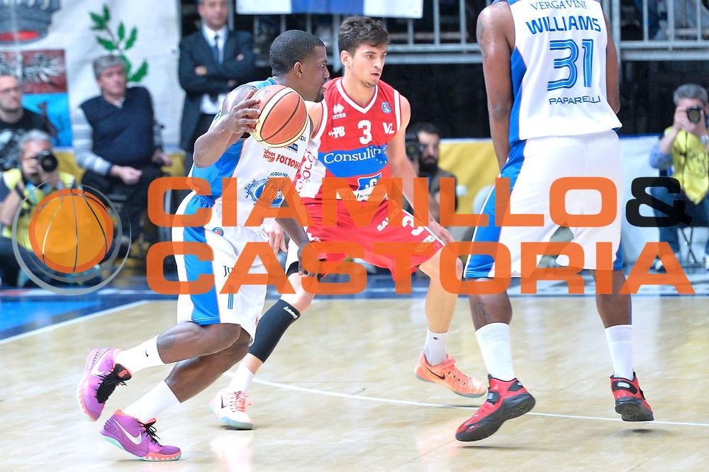 DESCRIZIONE : Cantu' Lega A 2014-15 <br /> Acqua Vitasnella Cant&ugrave; vs Consultinvest Pesaro<br /> GIOCATORE : Darius Lohnson - Odom<br /> CATEGORIA : Controcampo curiosita<br /> SQUADRA : Acqua Vitasnella Cant&ugrave;<br /> EVENTO : Campionato Lega A 2014-2015 GARA :Acqua Vitasnella Cant&ugrave; vs Consultinvest Pesaro<br /> DATA : 03/05/2015 <br /> SPORT : Pallacanestro <br /> AUTORE : Agenzia Ciamillo-Castoria/IvanMancini<br /> Galleria : Lega Basket A 2014-2015 Fotonotizia : Cantu' Lega A 2014-15 Acqua Vitasnella Cant&ugrave; vs Consultinvest Pesaro<br /> Predefinita: