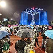 Lake arena affollatissima durante lo show dell'Albero della Vita Expo 2015  Milano, 17/10/2015.