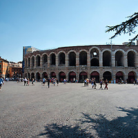 Piazza Bra e l'Arena di Verona.Verona is a city in Veneton, Northern Italy home to approx. 265,000 inhabitants and one of the seven provincial capitals of the region. Verona has Roman origins and  derived importance from being at the intersection of many roads. It is world famous for the Arena and its Opera....***Agreed Fee's Apply To All Image Use***.Marco Secchi /Xianpix. tel +44 (0) 207 1939846. e-mail ms@msecchi.com .www.marcosecchi.com