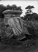 Statue of Lord Carlisle destroyed at Phoenix Park.25/07/1958.