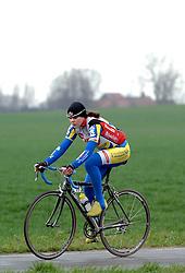03-04-2006 WIELRENNEN: COURSE DOTTIGNIES: BELGIE<br /> Ilse van de Pontseele<br /> ©2006-WWW.FOTOHOOGENDOORN.NL