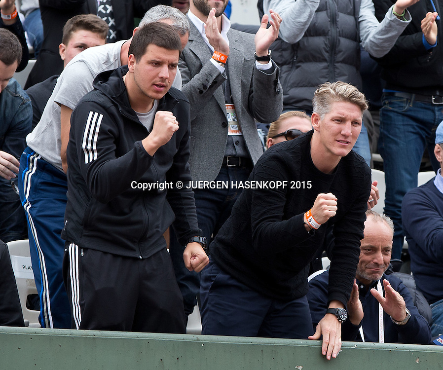 Ana Ivanovic Freund Bastian Schweinsteiger und Fitness Trainer Zlatko Novkovic freuen sich &uuml;ber den Sieg,Jubel,Emotion,<br /> <br /> Tennis - French Open 2015 - Grand Slam ITF / ATP / WTA -  Roland Garros - Paris -  - France  - 31 May 2015.