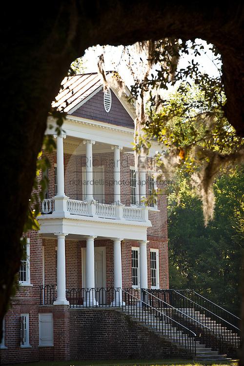 Drayton Hall Plantation in Charleston, SC. Palladian style estate built by John Drayton in 1738.