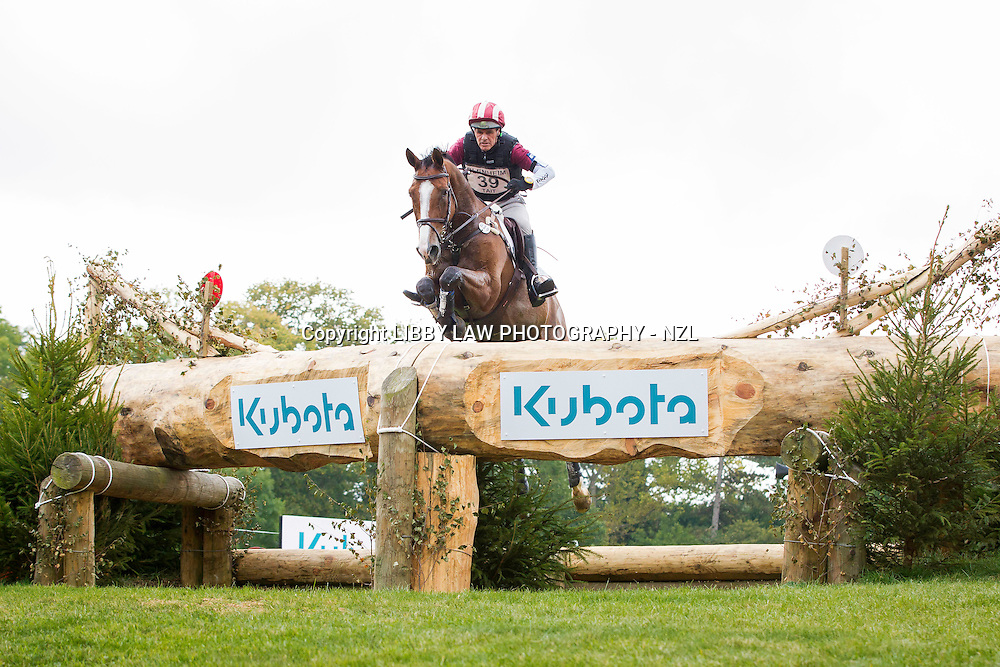 NZL-Blyth Tait (XANTHUS III) INTERIM-36TH: CCI3* CROSS COUNTRY: 2014 GBR-Blenheim Palace International Horse Trial (Saturday 13 September) CREDIT: Libby Law COPYRIGHT: LIBBY LAW PHOTOGRAPHY - NZL