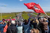 ROTTERDAM - 30-04-2017, AZ - Vitesse, finale KNVB beker, Stadion De Kuip, supporters, bus prachtstad