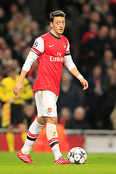 19.02.2014, Emirates Stadion, London, ENG, UEFA CL, FC Arsenal vs FC Bayern Muenchen, Achtelfinale, im Bild Mesut Oezil (Arsenal FC #11) // during the UEFA Champions League Round of 16 match between FC Arsenal and FC Bayern Munich at the Emirates Stadion in London, Great Britain on 2014/02/19. EXPA Pictures © 2014, PhotoCredit: EXPA/ Eibner-Pressefoto/ Schueler<br /> <br /> *****ATTENTION - OUT of GER*****