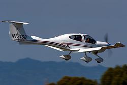 Diamond Aircraft DA 40 (N171CB) on approach to Palo Alto Airport (KPAO), Palo Alto, California, United States of America