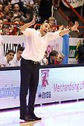 DESCRIZIONE : Campionato 2015/16 Giorgio Tesi Group Pistoia - Openjobmetis Varese<br /> GIOCATORE : Esposito Vincenzo<br /> CATEGORIA : Allenatore Coach Mani<br /> SQUADRA : Giorgio Tesi Group Pistoia<br /> EVENTO : LegaBasket Serie A Beko 2015/2016<br /> GARA : Giorgio Tesi Group Pistoia - Openjobmetis Varese<br /> DATA : 13/12/2015<br /> SPORT : Pallacanestro <br /> AUTORE : Agenzia Ciamillo-Castoria/S.D'Errico<br /> Galleria : LegaBasket Serie A Beko 2015/2016<br /> Fotonotizia : Campionato 2015/16 Giorgio Tesi Group Pistoia - Openjobmetis Varese<br /> Predefinita :