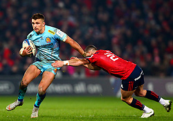 Henry Slade of Exeter Chiefs in action against Alby Mathewson of Munster Rugby - Mandatory by-line: Ken Sutton/JMP - 19/01/2019 - RUGBY - Thomond Park - Limerick,  - Munster Rugby v Exeter Chiefs -