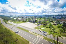 Localizado na zona sul de Porto Alegre, o condomínio Terra Ville possue 180 hectares de área verde, lagos, praças, completa infra-estrutura de lazer com quadras de futebol e futevôlei, piscinas, quadras de tênis e campo de golf. Foto: Jefferson Bernardes/ Agência Preview