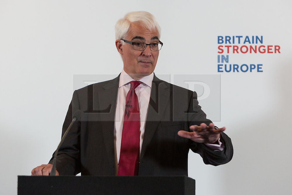 "© Licensed to London News Pictures. 15/04/2016. London, UK. Former Chancellor of the Exchequer, ALISTAIR DARLING makes a speech about 'Europe's Single Market: The real choice facing Britain', in Westminster, London. Darling accuses Brexit campaigners of offering a ""fantasy future"" outside the European Union and warns that leaving the European Union would threaten Britain's long-term economic recovery. Photo credit : Vickie Flores/LNP"