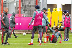 14.03.2019, Säbener Strasse, Muenchen, GER, 1. FBL, FC Bayern Muenchen vs 1. FSV Mainz 05, Training, im Bild v.l. CO Trainer Perter Hermann (FC Bayern), Thomas Müller (FC Bayern), Joshua Kimmich (FC Bayern), Kingsley Coman (FC Bayern), Renato Sanches (FC Bayern) // during a trainings session before the German Bundesliga 26th round match between FC Bayern Muenchen and 1. FSV Mainz 05 at the Säbener Strasse in Muenchen, Germany on 2019/03/14. EXPA Pictures © 2019, PhotoCredit: EXPA/ Lukas Huter