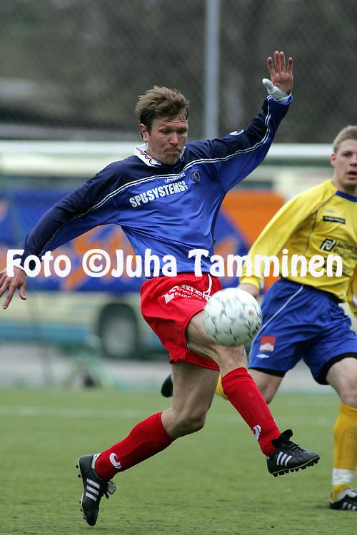 15.05.2005, ?ij?nsuo, Rauma, Finland..I Divisioona, Pallo-Iirot v AC Oulu.Petri Lehtonen - AC Oulu.©Juha Tamminen.....ARK:k