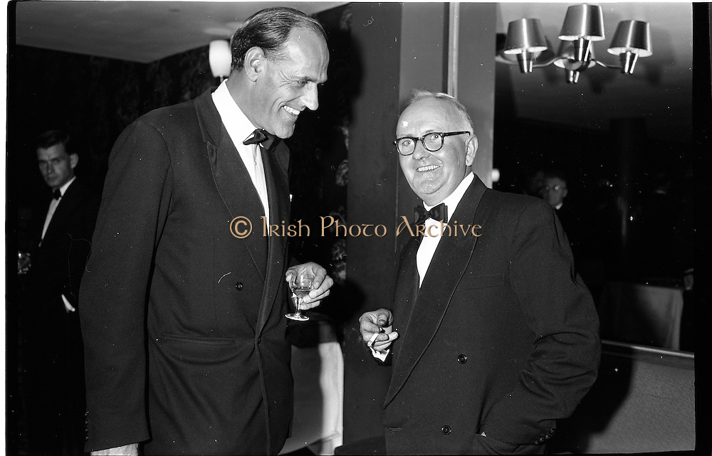 20/08/1962<br /> 08/20/1962<br /> 20 August 1962 <br /> Efficient Distribution Ltd. Dinner at Shelbourne Hotel, Dublin. Chatting during the reception were (l-r): J. Sutton and M. Mangan, Clare.