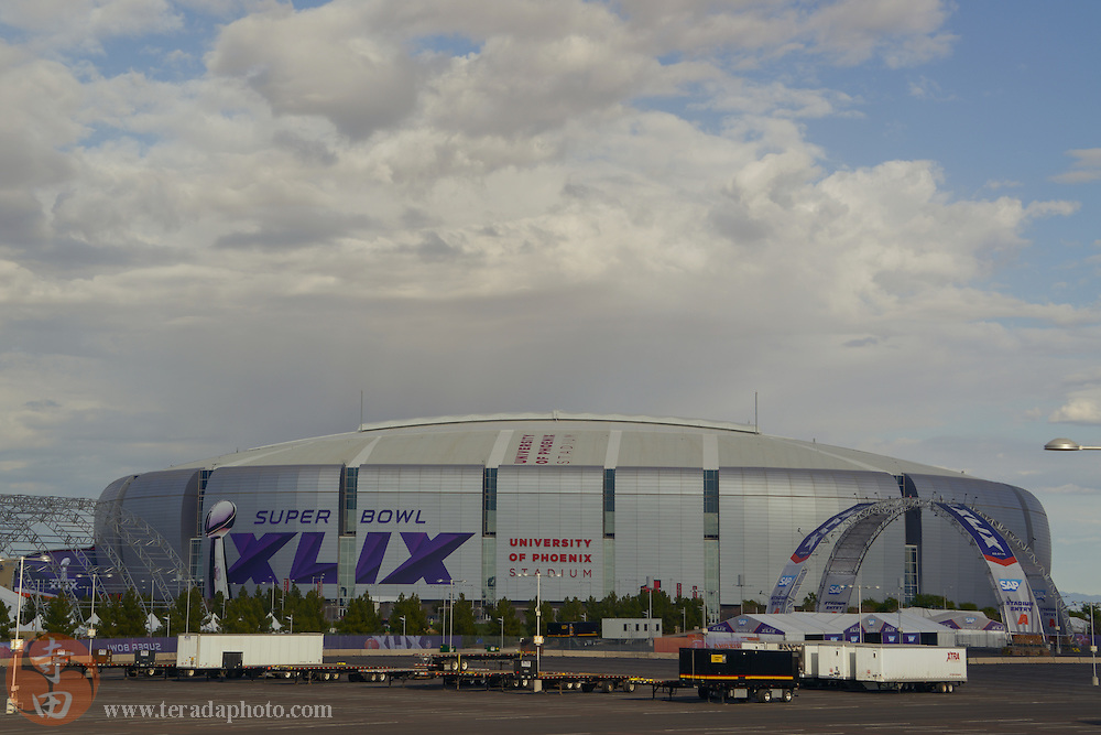 January 21, 2015; Glendale, AZ, USA; A general view of the exterior of University of Phoenix Stadium in advance of Super Bowl XLIX between the Seattle Seahawks and the New England Patriots.
