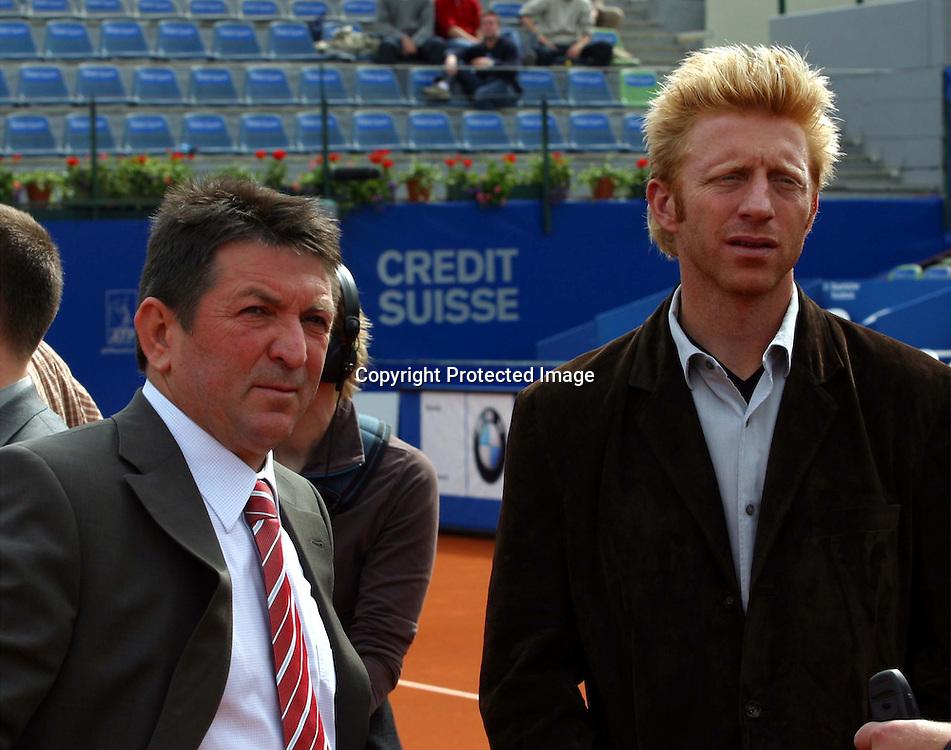 Sport,Tennis,ATP Tour,BMW Open Auslosung beim MPTC Iphitos in Muenchen, Boris Becker und Alfred Wettach <br />( Ressortleiter Marketing &amp; Sales Deutschland),<br />28.04.2002<br />Foto:Juergen Hasenkopf