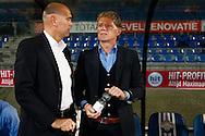 07-11-2015 VOETBAL:WILLEM II- EXCELSIOR:TILBURG<br /> Trainer/Coach Fons Groenendijk van Excelsior in gesprek met Trainer/Coach Jurgen Streppel van Willem II <br /> Foto: Geert van Erven
