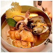 Le Ricette Tradizionali della Cucina Italiana.Italian Cooking Recipes. Zuppa di pesce