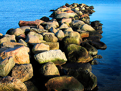 GERMANY ECKERNFOERDE 24DEC06 - Stone pier on the Eckernfoerder Kurstrand beach in the afternoon sun. Classic Baltic sea afternoon in good winter light...jre/Photo by Jiri Rezac....© Jiri Rezac 2006