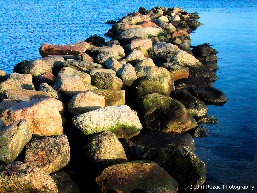 GERMANY ECKERNFOERDE 24DEC06 - Stone pier on the Eckernfoerder Kurstrand beach in the afternoon sun. Classic Baltic sea afternoon in good winter light...jre/Photo by Jiri Rezac....© Jiri Rezac 2006