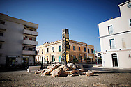 Lampedusa, Italia - 3 luglio 2011. Piazza della Libertà, uno dei punti di ritrovo dell'isola di Lampedusa, completamente deserta la domenica pomeriggio..Ph. Roberto Salomone Ag. Controluce