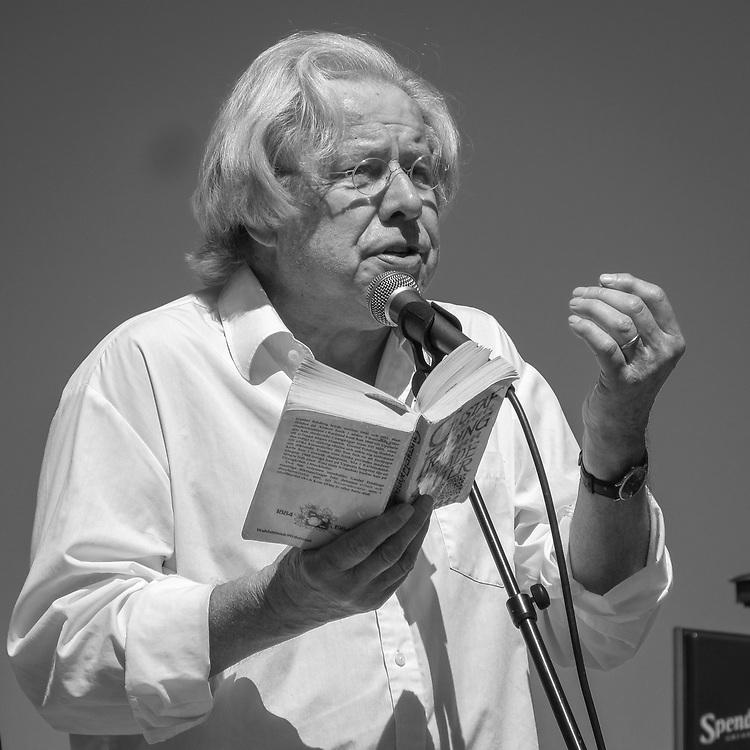 Sven Wollter talar vid opinionsmöte om Nya Slussen 2010