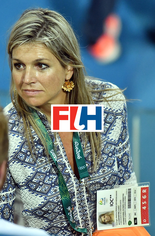 Dutch Queen Maxima attends the women's field hockey medals ceremony of the Rio 2016 Olympics Games at the Olympic Hockey Centre in Rio de Janeiro on August 19, 2016. / AFP / Pascal GUYOT        (Photo credit should read PASCAL GUYOT/AFP/Getty Images)