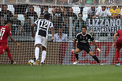 August 19, 2017 - Turin, Italy - Farias shoots the ball on penalty kick during the Serie A football match n.1 JUVENTUS - CAGLIARI on 19/08/2017 at the Allianz Stadium in Turin, Italy. (Credit Image: © Matteo Bottanelli/NurPhoto via ZUMA Press)