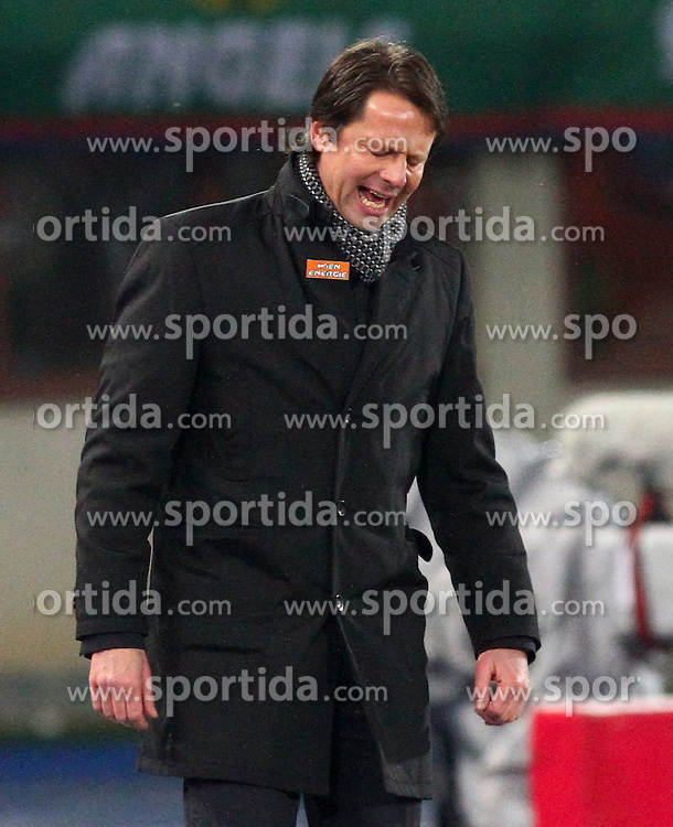 06.12.2012, Ernst Happel Stadion, Wien, AUT, UEFA Europa League, SK Rapid Wien vs FC Metalist Kharkiv, Gruppe K, im Bild Peter Schoettel, (SK Rapid Wien, Trainer)  // during the UEFA Europa League group K match between SK Rapid Vienna and FC Metalist Kharkiv at the Ernst Happel Stadion, Vienna, Austria on 2012/12/06. EXPA Pictures © 2012, PhotoCredit: EXPA/ Thomas Haumer