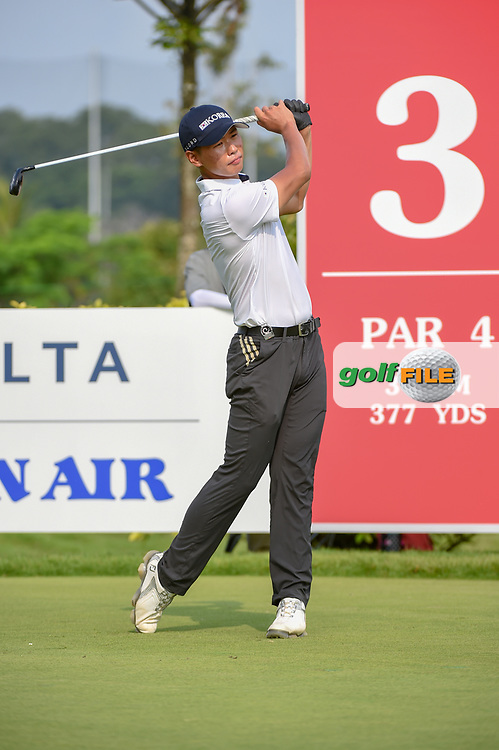Jin-Bo HA (KOR) watches his tee shot on 3 during Rd 3 of the Asia-Pacific Amateur Championship, Sentosa Golf Club, Singapore. 10/6/2018.<br /> Picture: Golffile | Ken Murray<br /> <br /> <br /> All photo usage must carry mandatory copyright credit (© Golffile | Ken Murray)