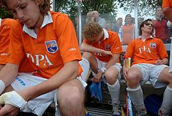 05-06-2005 HOCKEY: FINALE PLAYOFFS: BLOEMENDAAL-ORANJE ZWART: BLOEMENDAAL<br /> De hockeyers van Oranje Zwart zijn voor het eerst in hun bestaan landskampioen geworden. De Eindhovense club klopte Bloemendaal in het beslissende play-off-duel met 3-1 / <br /> Pieter Blok, Nick Meijer en Thomas Boerma<br /> ©2005-WWW.FOTOHOOGENDOORN.NL