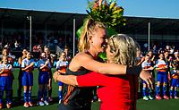 BREDA -  Caia Van Maasakker (Ned) speelt haar 150e interland en krijgt bloemen van bondsbestuurder Madeleine Bakker,    tijdens Nederland-Japan bij de 4 Nations Trophy dames 2018 .   COPYRIGHT KOEN SUYK