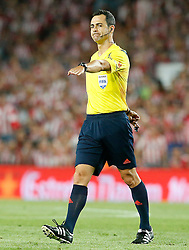 30.05.2015, Camp Nou, Barcelona, ESP, Copa del Rey, Athletic Club Bilbao vs FC Barcelona, Finale, im Bild Spanish referee Carlos Velasco Carballo // during the final match of spanish king's cup between Athletic Club Bilbao and Barcelona FC at Camp Nou in Barcelona, Spain on 2015/05/30. EXPA Pictures &copy; 2015, PhotoCredit: EXPA/ Alterphotos/ Acero<br /> <br /> *****ATTENTION - OUT of ESP, SUI*****