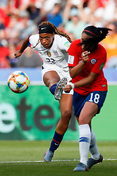2019?6?17?.   ???????????——F??????????.    6?16?? ??????????????????? .   ?????????????????2019??????????F??????????3?0??????.   ?????????..SP-FRANCE-PARIS-FIFA WOMEN'S WORLD CUP-GROUP F-USA-CHILE.(1906017) -- PARIS, June 17, 2019  Jessica Mcdonald (L) of the United States shoots during the Group F match between the United States and Chile at the 2019 FIFA Women's World Cup in Parc des Princes in Paris, France, June 16, 2019.  The United States won 3-0. (Credit Image: © Xinhua via ZUMA Wire)