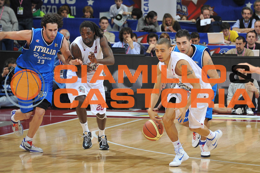 DESCRIZIONE : Milano Agos Ducato All Star Game 2011<br /> GIOCATORE : Ibrahim Jaaber<br /> SQUADRA : Italia Nazionale Maschile All Star Team<br /> EVENTO : All Star Game 2011<br /> GARA : Italia All Star Team<br /> DATA : 13/03/2011<br /> CATEGORIA : Palleggio Contropiede<br /> SPORT : Pallacanestro<br /> AUTORE : Agenzia Ciamillo-Castoria/M.Gregolin<br /> Galleria : FIP Nazionali 2011<br /> Fotonotizia :  Milano Agos Ducato All Star Game 2011<br /> Predefinita :
