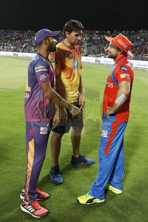 Ashok Dinda of Rising Pune Supergiant ,Stephen Fleming coach of Rising Pune Supergiant and Brendon McCullum of the Gujarat Lions after the match 39 of the Vivo 2017 Indian Premier League between the Rising Pune Supergiants and the Gujarat Lions held at the MCA Pune International Cricket Stadium in Pune, India on the 1st May 2017<br /> <br /> Photo by Arjun Singh - Sportzpics - IPL